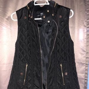 Tate Collections Vest Never Worn size Medium